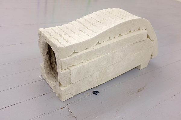 (Wrong)-Arm-rest,--gesso-alabastrino,-76x38x25-cm,---72x38x25-cm,-2014-(11)
